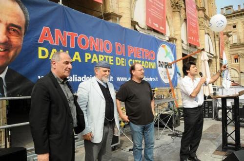 Sul palco con Vincenzo Cerami, Moni Ovadia e Flavio Oreglio